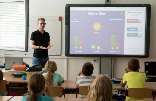 Стало известно, сколько учителей ишкольников болеют ковидом вПетербурге