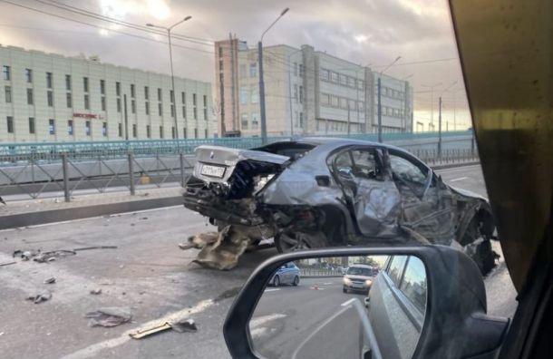 Три человека пострадали в аварии на Пискаревском проспекте