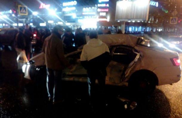 Skoda залетела под маршутку вКупчине, есть пострадавшие