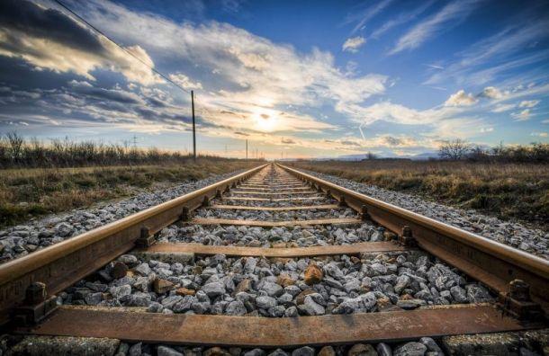 Следовавший изЧелябинска вПетербург поезд насмерть сбил троих подростков