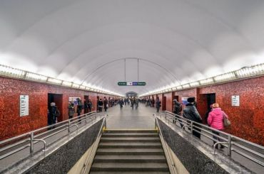 Семь станций метро Петербурга капитально отремонтируют запять лет
