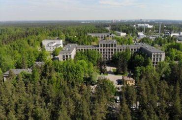 COVID-19: НМИЦ Петрова приостановил приём пациентов трёх отделений