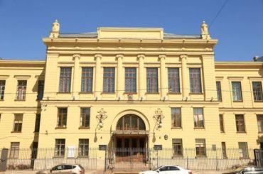Акушерские отделения НИИОтта непринимают пациентов из-за COVID-19 усотрудника