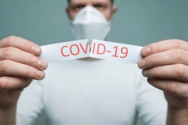 ВРоспотребнадзоре предрекли спад активности COVID-19 через 1,5 года