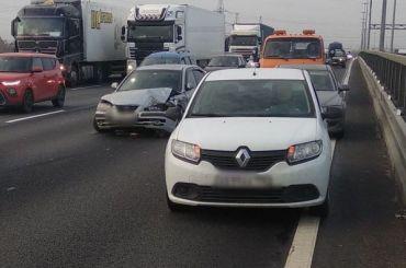 Пять автомобилей столкнулись навнешнем кольце КАД