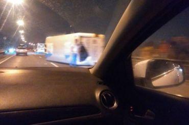 Пятеро человек пострадали после столкновения маршрутки иэвакуатора