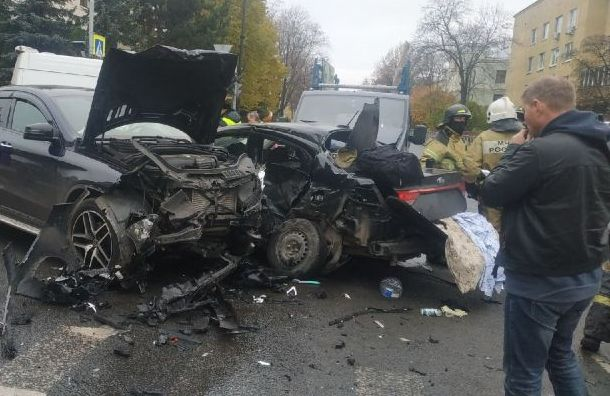 Женщина скончалась вбольнице после массового ДТП вПушкине