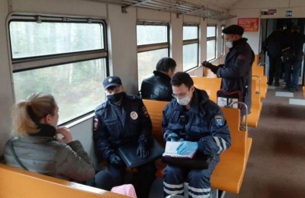 Роспотребнадзор выяснил, где петербуржцы чаще всего заражаются коронавирусом