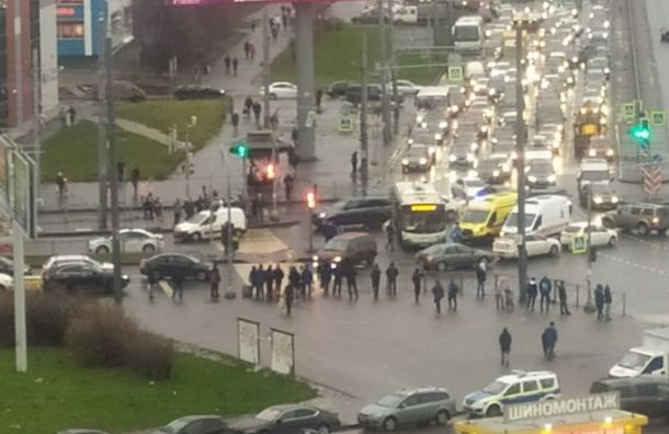Три человека пострадали вДТП савтобусом наИндустриальном