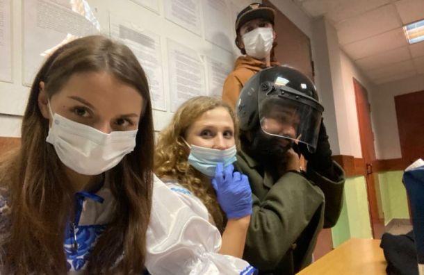 Двух участниц группы Pussy Riot задержали вМоскве