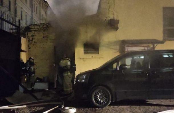 Петербуржцы заметили пожарные машины уздания Адмиралтейства