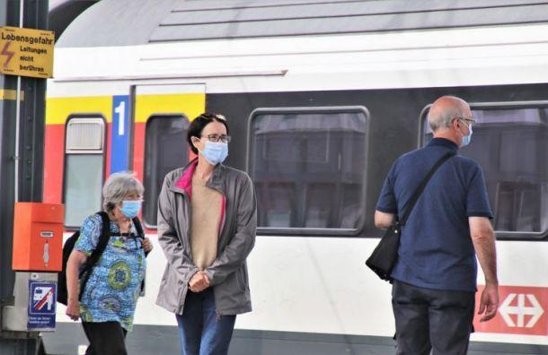 Полиция провела рейд наБалтийском иФинляндском вокзалах наналичие СИЗ