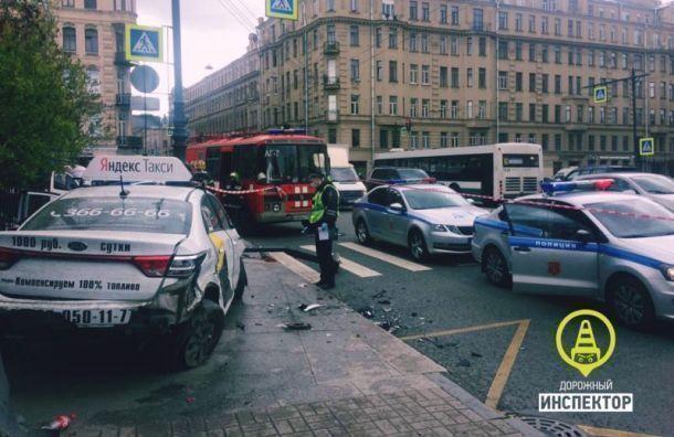 Водитель такси, сбивший женщину напереходе, отделался условным сроком