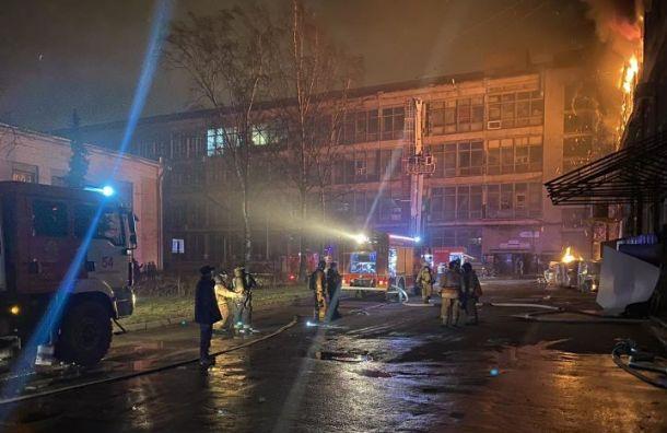 Площадь пожара наЛЭМЗ увеличилась вдвое