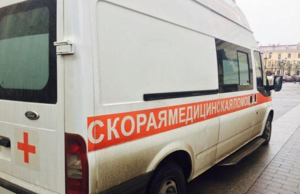 Петербуржец выкинул ребенка-аутиста сбалкона третьего этажа