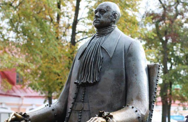 Беглова попросили убрать памятник Петру IизПетропавловской крепости