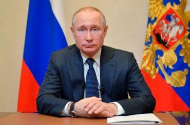 «Чушь полная»: Песков опроверг слухи оботставке Путина