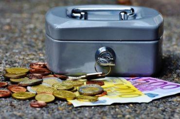 Мошенники обманули китайца вПетербурге на8 млн рублей