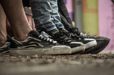 Девять петербургских подростков нападали сножом намигрантов