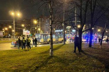 Троллейбус остановил погоню ДПС заиномаркой насевере Петербурга