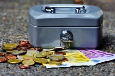 Почти 50 млн выделили назарплаты временным сотрудникам предприятий Петербурга