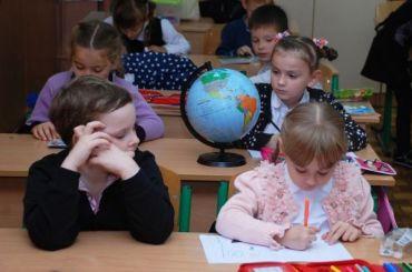 Петербургские школьники продолжат учиться всмешанном формате