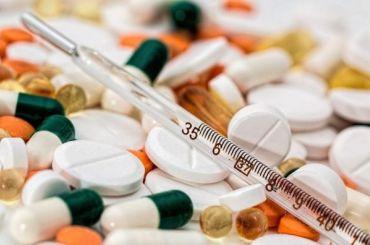 Петербуржцам начали выдавать бесплатные лекарства откоронавируса