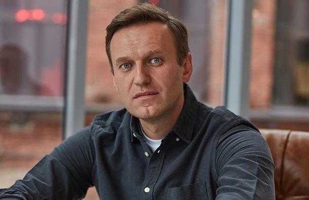 Навальный подал всуд наПескова из-за обвинений вработе наЦРУ