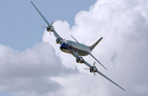 Ледяной дождь невыпускает самолеты изаэропорта Пулково
