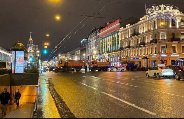 Невский проспект закрыли для автомобилистов