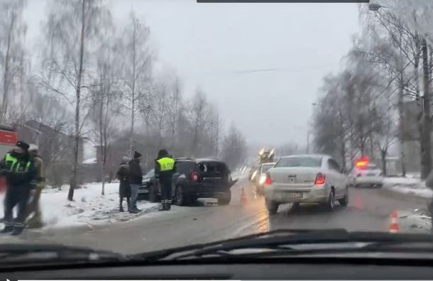 ДТП парализовало Колпинское шоссе