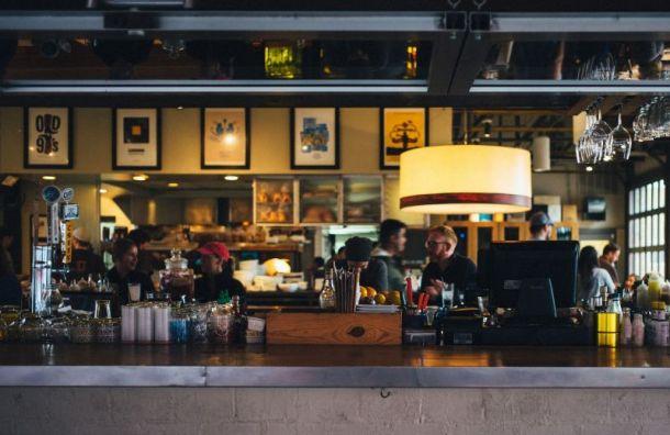 Рестораторы готовы сами ужесточить меры безопасности, толькобы дали работать