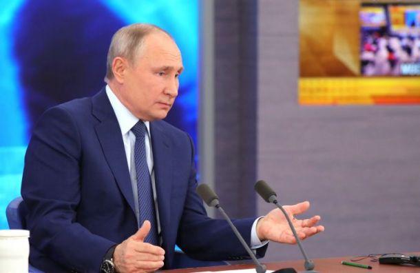 Путин оботравлении Навального: Кому оннужен-то?