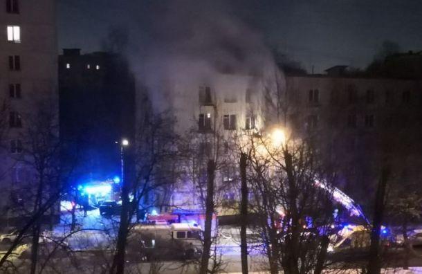 Три человека погибли впожаре наулице Подводника Кузьмина