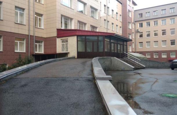 Центр Алмазова вновь готовится кприему ковид-пациентов