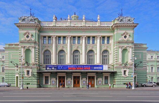 Минкульт запретил федеральным театрам Петербурга работать вновогодние праздники