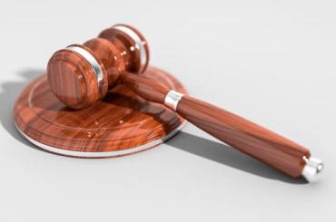 Суд заблокировал два сайта, где торговали справками оботсутствии COVID-19