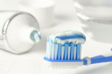 Ученые обнаружили зубную пасту, убивающую коронавирус задве минуты