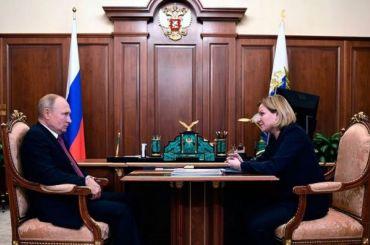 Путин напомнил Любимовой опередаче РПЦ зданий вАлександро-Невской лавре