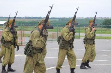 Полицейские ирогсвардейцы задержали спецназовцев напроспекте Шаумяна