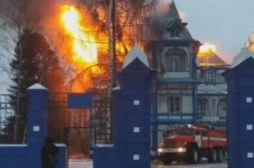 Детский пульмонологический санаторий «Колчаново» загорелся под Волховом