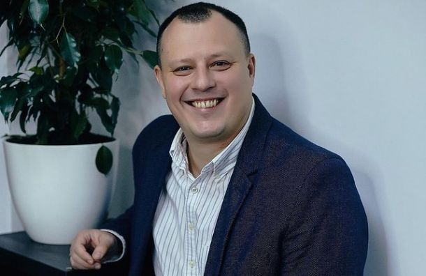 Ресторатор Коновалов назвал позором действия Смольного в борьбе с COVID-19