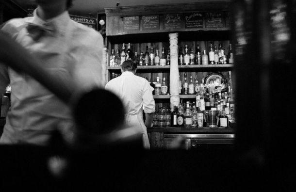 Петербургские бары ирестораны снова могут работать до23 часов