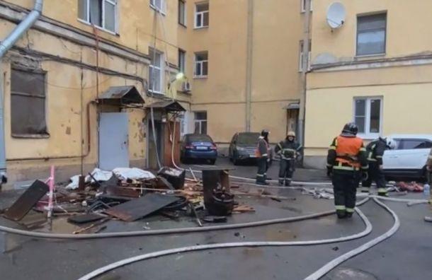 Пять человек попали вбольницу после пожара наулице Декабристов
