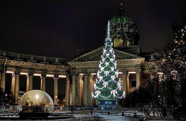 Новогодние украшения вПетербурге начнут убирать вночь на15января