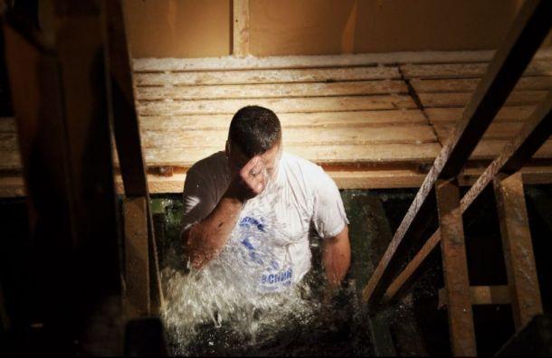 Беглов проверил безопасность крещенских купаний вПетербурге