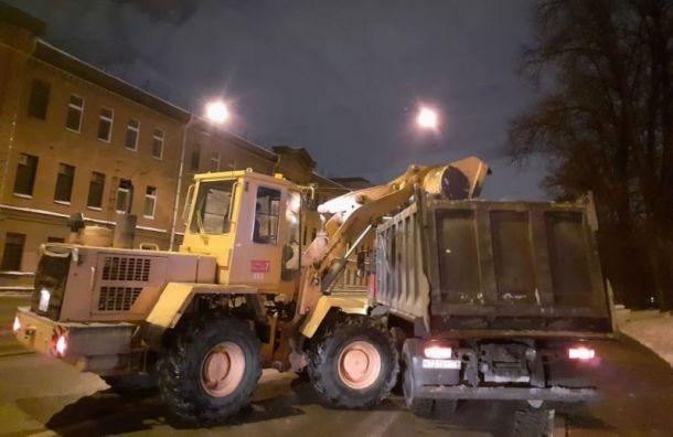 После новогодней ночи вПетербурге убрали 167 кубометров мусора