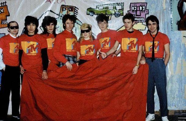 Русский музей открыл выставку сфотографиями легенд Ленинградского рок-клуба