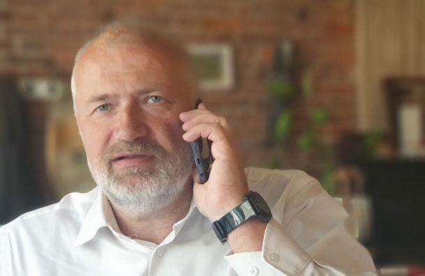 Состояние заболевшего COVID-19 депутата ЗакСа Амосова ухудшается
