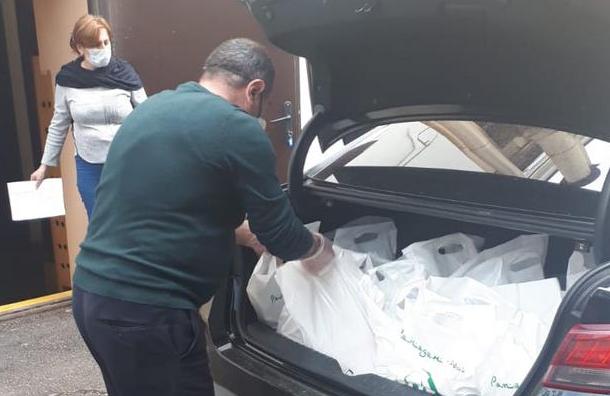 Продуктовые наборы соктября раздали вПетербурге 136 тысячам нуждающихся